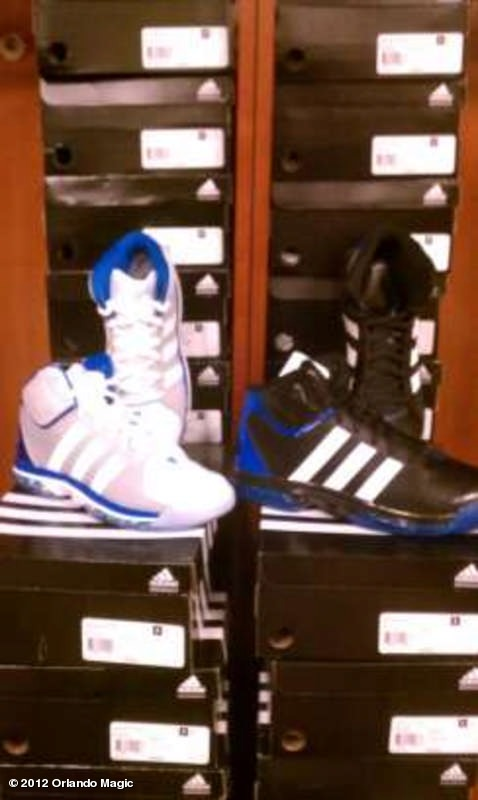 Report: Orlando Magic Fans Receive Adidas Sneakers in Honor of Dwight Howard Setting Scoring Record (Photo)