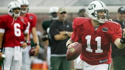 Clemens Leads Sanchez Early in Jets' Quarterback Competition