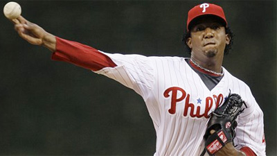 Phillies Win as Moyer Tosses Six Scoreless in Relief of Pedro