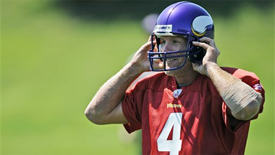 Brett Favre Returns to NFL, Joins Minnesota Vikings