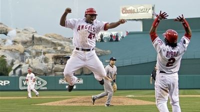Angels Win 5-4 in 11th Inning, Cut Yankees' Series Lead to 2-1