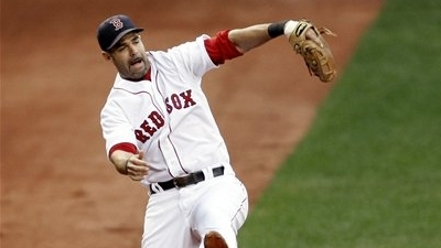 Report: Mike Lowell May Need Thumb Surgery