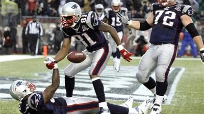 Randy Moss' Poor Performance No Reason for Patriots to Panic