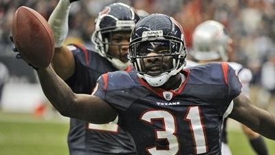Texans Slip Past Patriots 34-27 in Regular-Season Finale
