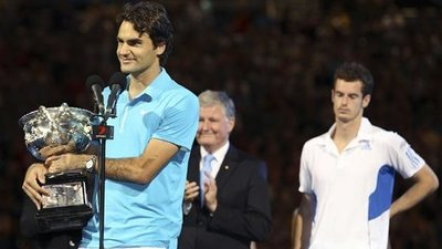 Roger Federer Defeats Andy Murray in Straight Sets to Win 16th Grand Slam Title