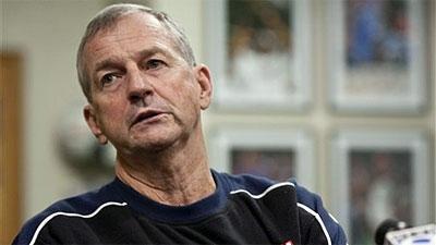 UConn Coach Jim Calhoun Agrees to Four-Year Extension