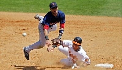 David Hernandez Outduels John Lackey, Orioles Beat Red Sox 6-1