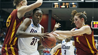 Maya Moore Scores 25 to Lead UConn Women to 75th Straight Win