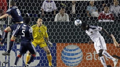 Sixth-Minute Goal From Los Angeles Galaxy's Edson Buddle Downs Revolution 1-0