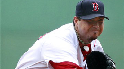 Josh Beckett, Red Sox Survive Late Mariners Comeback in Rainy Matinee to Win 5-3