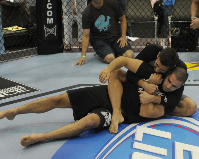 Randy Couture, James Toney, Rest of UFC 118 Headliners Open Training Sessions