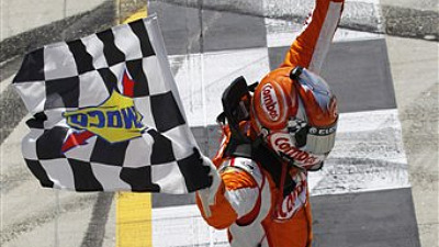 Kyle Busch Outlasts Jimmie Johnson to Win Nationwide Series