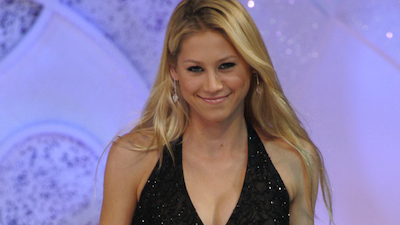 Anna Kournikova, Carrie Underwood Further Case That NHL Players Get the Girl