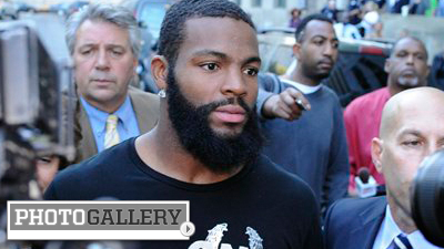 Braylon Edwards Battles Hangover, Smiles for Camera While Leaving Court