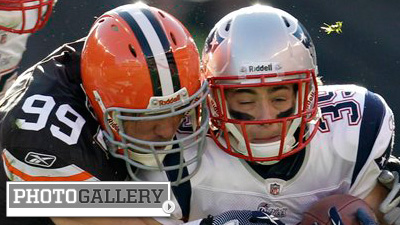 Peyton Hillis Goes Off for Over 200 Yards of Offense As Browns Throttle Patriots (Photos)