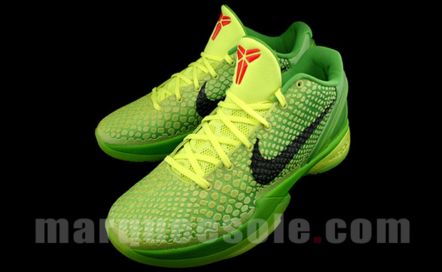 Kobe Bryant's 'Grinch' Sneakers Unveiled Before Lakers' Christmas Day Game Against Heat