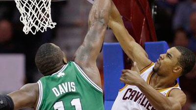 Rajon Rondo's 23-Point, 12-Assist Effort Gives Celtics Easy Win in Cleveland