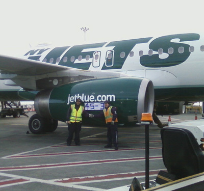 Jets Reminded of 45-3 Loss to Patriots by Message on JetBlue Jets Airplane