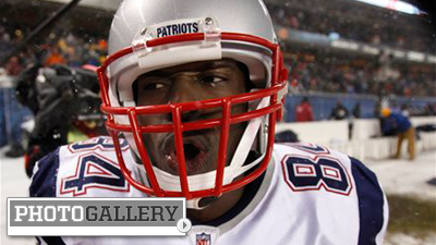 Deion Branch, Patriots Unaffected by Driving Wind and Snow in Dominant Victory Over Bears (Photos)