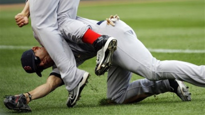 Jacoby Ellsbury Struggles Through Injuries, Overcomes Questions of His Toughness in Lost 2010 Season
