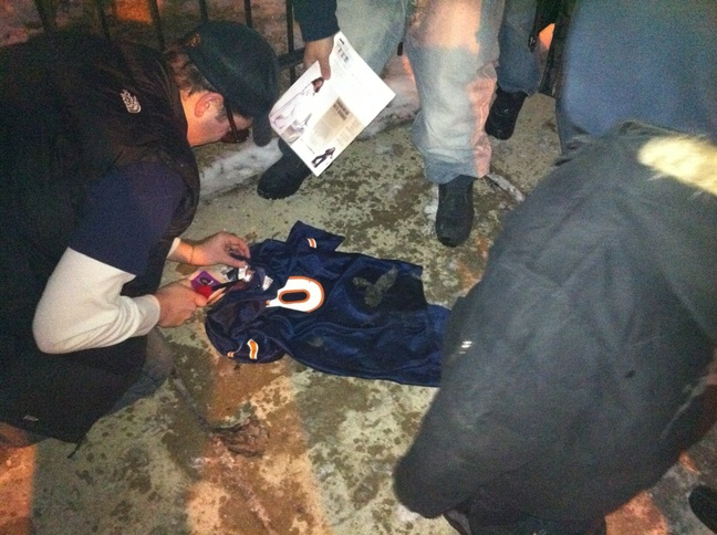 Bears Fans Turn Backs on Jay Cutler, Burn Quarterback's Jersey After Disappointing NFC Championship Performance