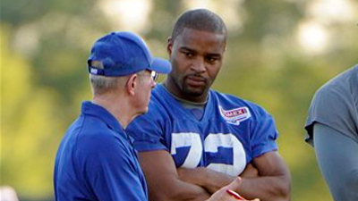 Osi Umenyiora Unlikely to Become a Patriot, As Bill Belichick Rarely Goes After Elite Pass Rushers