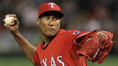 Red Sox Could Learn From Rangers' Use of Pitcher Alexi Ogando, Follow Example With Alfredo Aceves