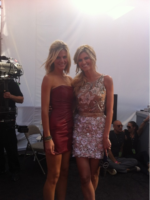 Brooklyn Decker, Kate Upton Steal Attention From Erin Andrews in ESPN Reporter's Latest Twitpics (Photos)