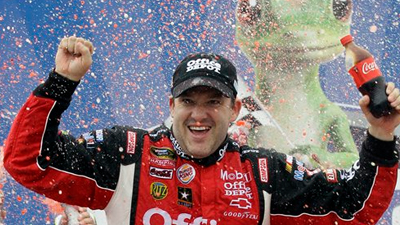 Tony Stewart Wins Opening Race of Chase for Sprint Cup, Ends Streak of 32 Races Without a Victory