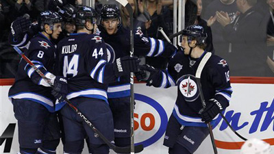 Bruins Discover Quickly That Winnipeg Was Worthy of NHL Return With Passionate Show of Support From Fans
