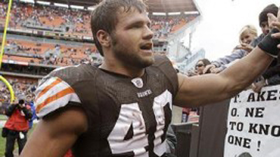 Report: Peyton Hillis Losing Support in Cleveland Locker Room, Teammates Hold 'Intervention' for Running Back