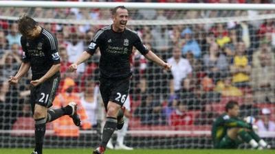 Lucas Thinks Midfield Partnership With Charlie Adam Will Only Improve With Time