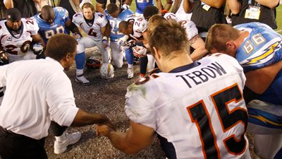 Kurt Warner Says Tim Tebow Should Speak Less of Religious Faith in Order to Receive Less Scrutiny