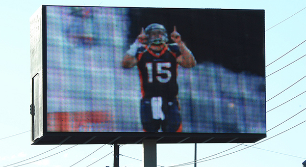 Tim Tebow Was Fined by Kyle Orton, Broncos Quarterbacks for Pro-Tebow Billboard in Denver