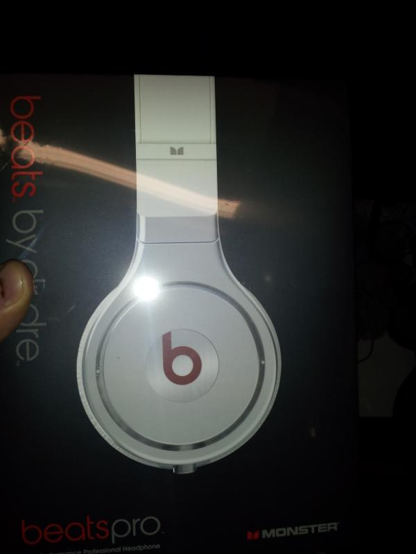 Chad Ochocinco Purchases Beats by Dre Headphones for Entire Patriots Roster