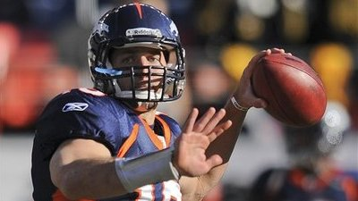 Report: Tim Tebow Working on Throwing Motion With UCLA Offensive Coordinator Noel Mazzone