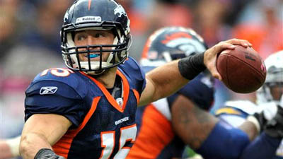 Tim Tebow's Potential Landing Spots Could Include Patriots, Dolphins After Losing Job to Peyton Manning