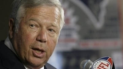 Sources: NFLPA Expects 'Significant Growth' in 2014 Salary Cap, Despite Robert Kraft's Comments for 'Smooth Growth'