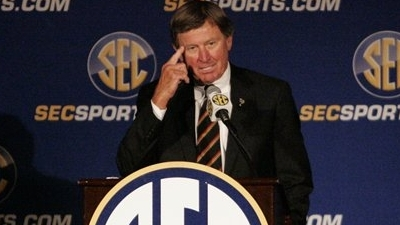 Steve Spurrier Believes that College Athletes Deserve to Be Paid
