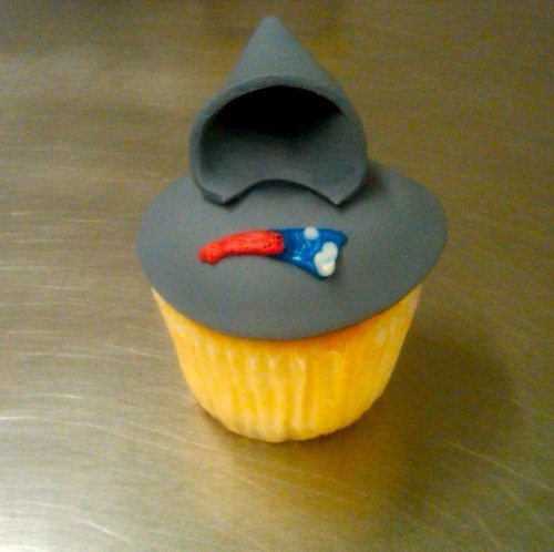 Bill Belichick's Hoodie Serves as Inspiration for Unique Cupcake (Photo)
