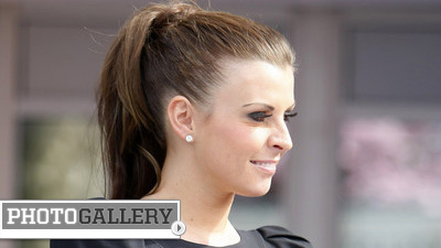 Coleen Rooney Extorted for Stolen Camera Memory Card With Photos of Husband Wayne Rooney (Photos)