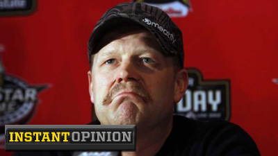 Tim Thomas' Facebook Activity Pales in Comparison to Social Networking's Daily Abusers