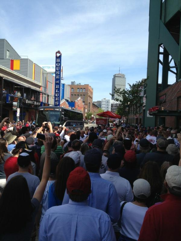 Terry Francona Shuts Down Lansdowne Street As Fans Welcome Back Former Skipper (Photo)