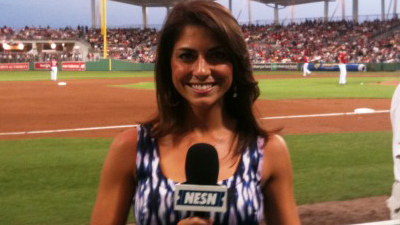 Jenny Dell Gives Viewers a Peek Inside Her Pregame Routine