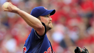 Dusty Baker Accuses Derek Lowe of Drinking at Ballpark After Pitcher Calls Out Reds Manager