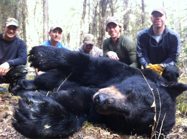Vancouver Canucks Forward David Booth Kills 'Chara-Sized' Bear in Hunt (Photo)