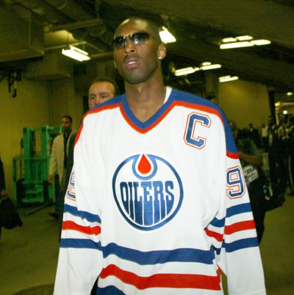 Kobe Bryant Channels Inner 'Great One,' Sports Wayne Gretzky Oilers Jersey (Photo)