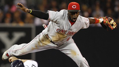 Brandon Phillips' Gold-Painted Glove Provokes Lawsuit From 'Gold Glove' Creator Rawlings