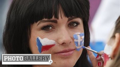Gorgeous Czech Republic Fans Highlight Impressive Euro 2012 Run (Photos)