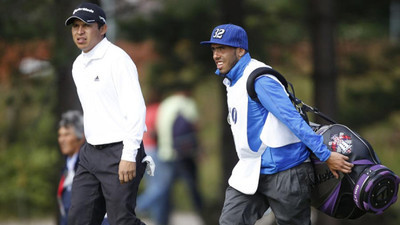 Carlos Tevez Causes Caddy-Flak in Top Ranks of British Open Brass
